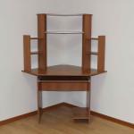 стол компьютерный СКу-4 Длина : 1270 мм Глубина : 800х800 мм Высота : 1580 мм Цена 2500 руб